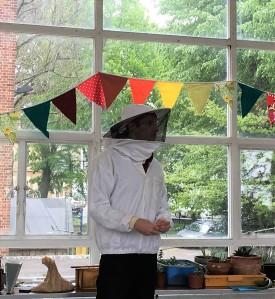 cityfarm-beekeeper